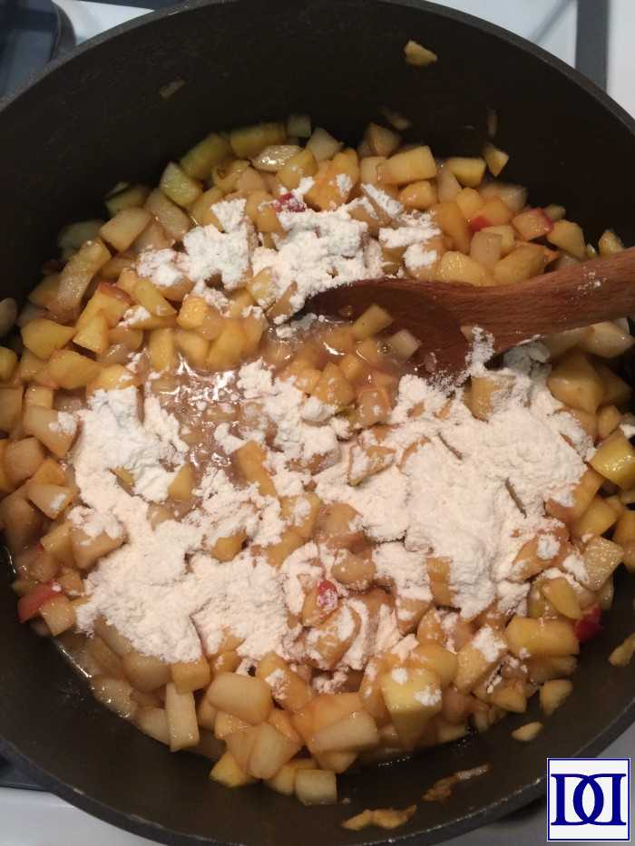 add-flour-to-apples