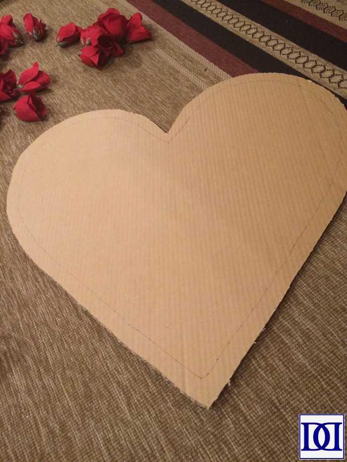 valentine_wreath_cardboard