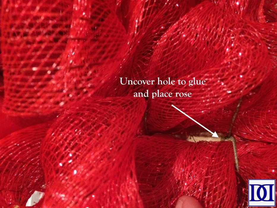 valentine_wreath_uncover_hole