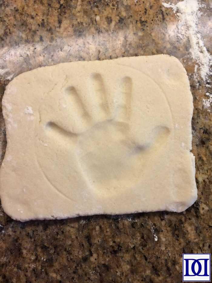 salt_dough_handprint1