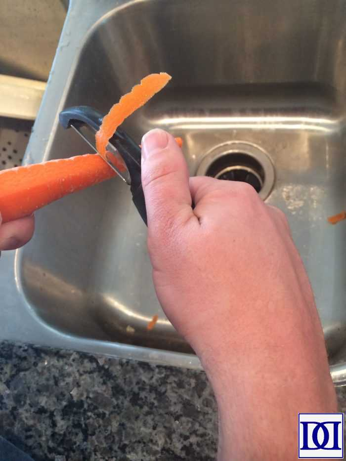 southern_carrots_peel