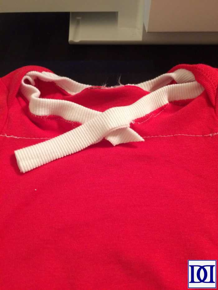 jersey_onesie_pin_collar